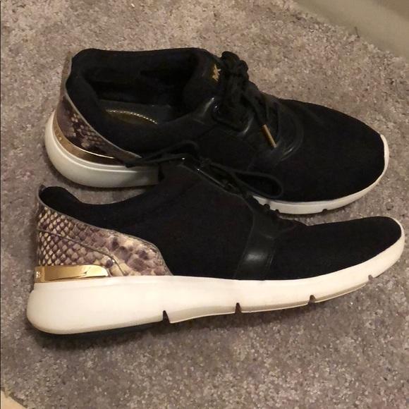 071b0ba52 Michael Kors fashion sneakers black w snake print.  M_5ac587b6a6e3ea2044ad4a20
